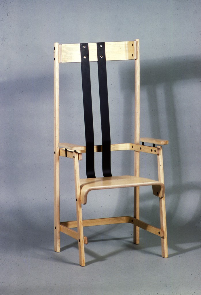 Lewis Design London - Dinging Chair (1)