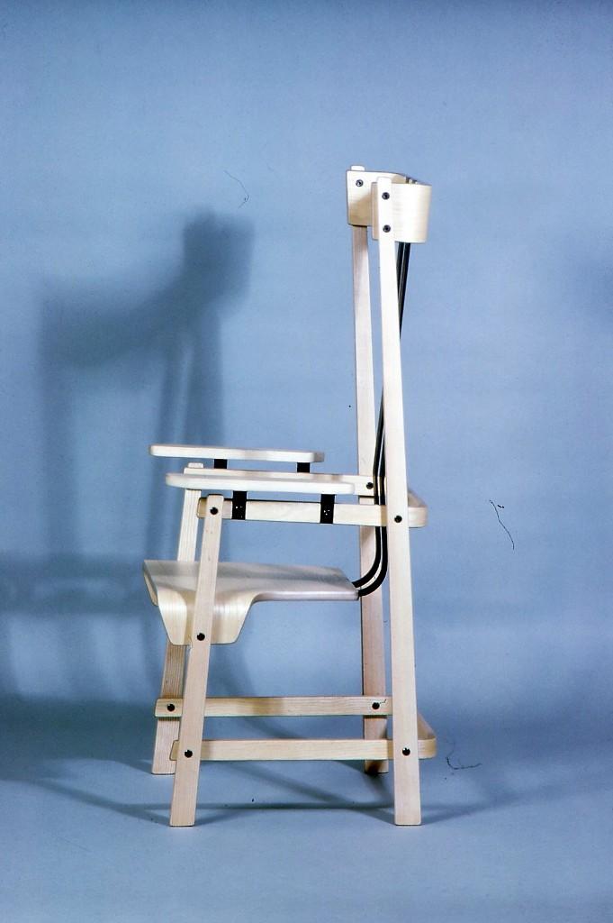 Lewis Design London - Dinging Chair (2)
