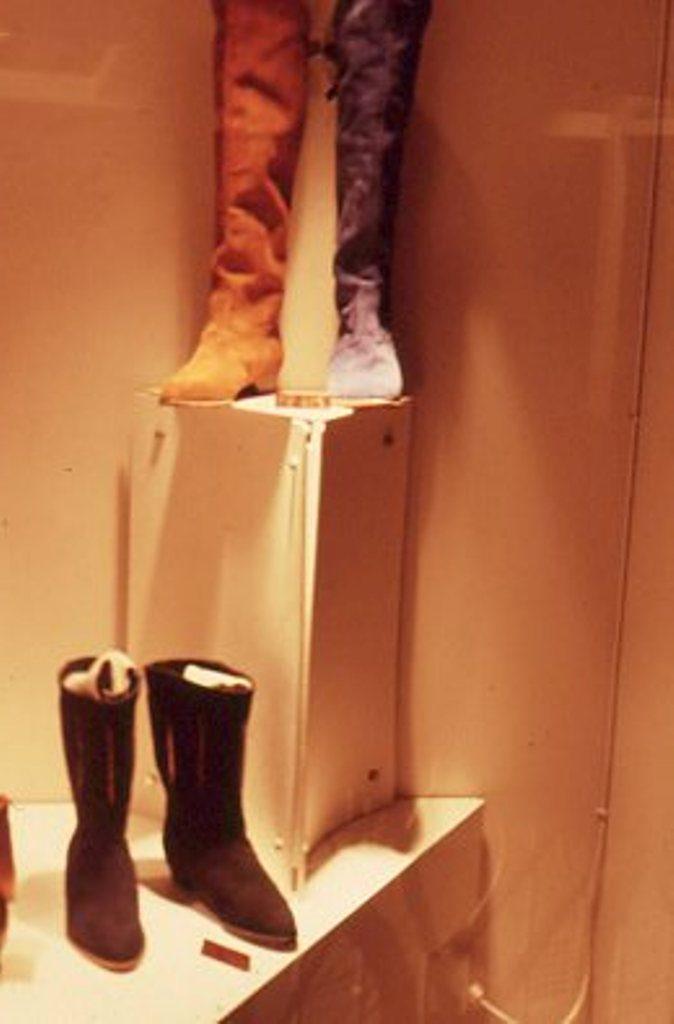 Lewis Design London - Shoe Shop