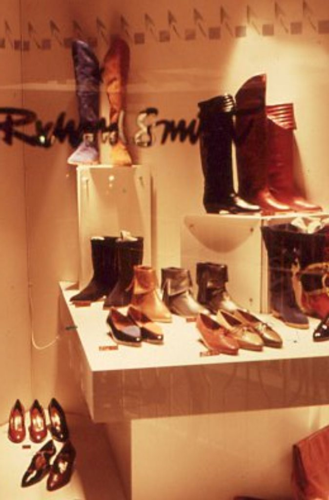 Lewis Design London - Shoe Shop (5)